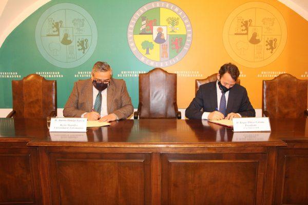 Convenio de colaboración entre INDEHESA y EXTREFOR para la prevención de incendios forestales